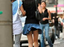 【パンチラ画像】日本に神風が吹いたからパンツが見えた!