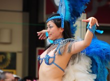 なんで日本で南米の祭りが流行るんだよ…誰もが納得できる日本人のサンバコスチュームがエロすぎるwww