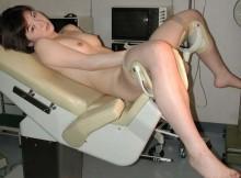 これは超マニアックwww分娩台に乗せられた女のエロ画像でマ●コがくぱぁだぜwww