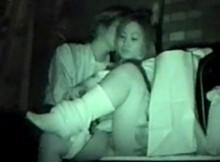 【赤外線盗撮画像】深夜の青姦カップルを盗撮!暗闇の中で結合部まで写す赤外線カメラがすげーwwww