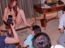 【日本の闇】三行広告の素人ヌード撮影会の実態がエロすぎるwwww