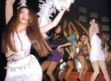ワンレン・ボディコンのお姉ちゃんがパンチラしながら踊り狂った昭和のディスコがすげーwww