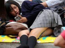 街中で偶然遭遇した女子高生のキワドいパンチラ!!成長期の下半身がエロすぎるパンチラ盗撮画像
