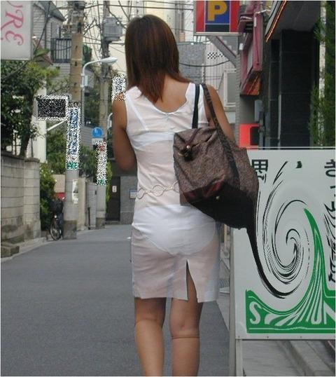 【透けパン】お姉さ~ん、パンツまる見えでっせ~www痴女レベルで透けてるギャルの透けパン画像!(画像15枚)その2