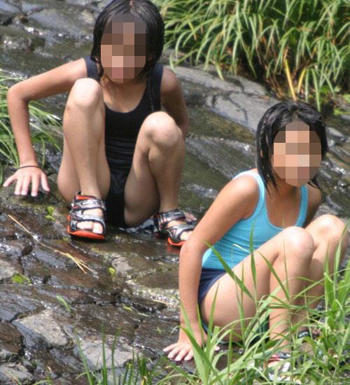 スクール水着姿で遊ぶJSたちにオッキしたら小児性愛者なwww(16枚)その2