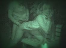 【赤外線】夜の公園はマン汁臭えーwwwあちこちで青姦してる素人カップルを暴きだす赤外線カメラがエグいwww