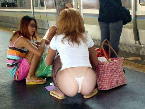 【ローライズエロ画像】オシャレやし!見せパンやし!なんて言っても恥ずかしい尻まる出しのローライズwww その15