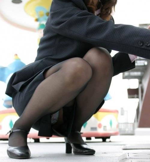 【黒パンストエロ画像】黒パンストから溢れるエロスがっぱねーwwwこんな綺麗な脚でチンポ踏まれてみたいよなwww その7
