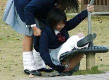 数年後には黒歴史!女子高生や女子大生のおふざけエロ画像が意外と身体張ってんなwww