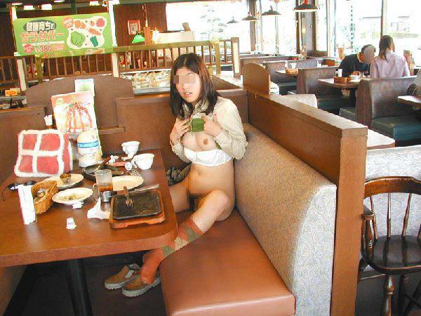 【店内露出エロ画像】食欲と性欲の混同…飲食店で裸になる変態が完全に営業妨害なんだがwww その2