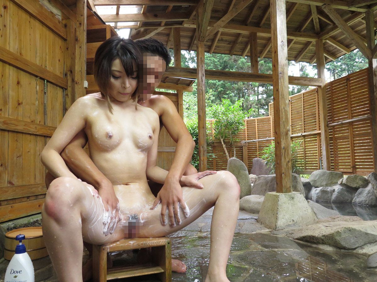 【温泉SEXエロ画像】男と女が全裸で一緒にお風呂に入れば当然こうなる…温泉でエッチしてるカップルwww その7