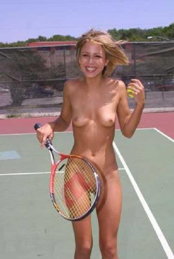 【全裸スポーツエロ画像】陽気な外国人の全裸スポーツがアホすぎて笑いながらチンポ勃つわwww その3