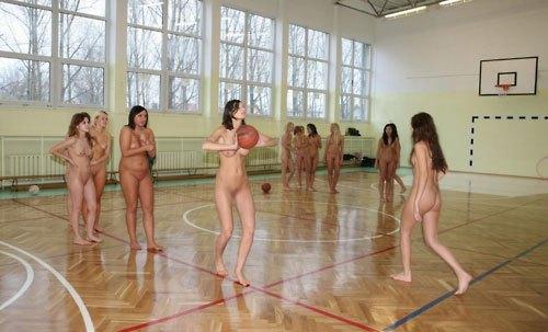 【全裸スポーツエロ画像】陽気な外国人の全裸スポーツがアホすぎて笑いながらチンポ勃つわwww その4