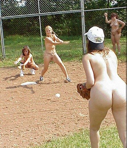【全裸スポーツエロ画像】陽気な外国人の全裸スポーツがアホすぎて笑いながらチンポ勃つわwww その16