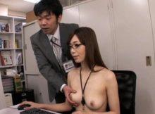 【全裸OLエロ画像】こんな会社に就職してぇなぁwww女性社員が全員全裸!普通に同僚のお○ぱい揉んでてワロタwww(15枚)