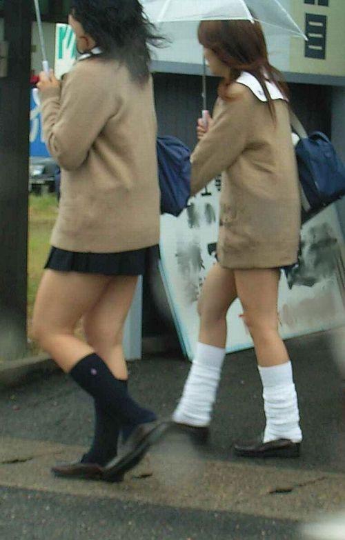 【カーディガンJKエロ画像】カーディガンにミニスカ!大胆に生脚を露出する秋の女子高生がめっちゃシコれるンゴwww その10