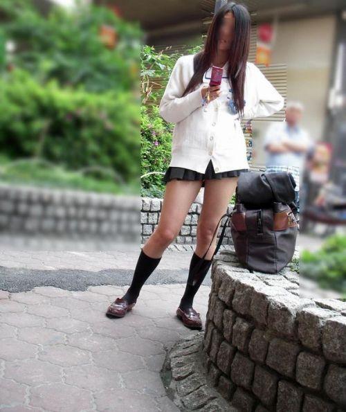 【カーディガンJKエロ画像】カーディガンにミニスカ!大胆に生脚を露出する秋の女子高生がめっちゃシコれるンゴwww その14