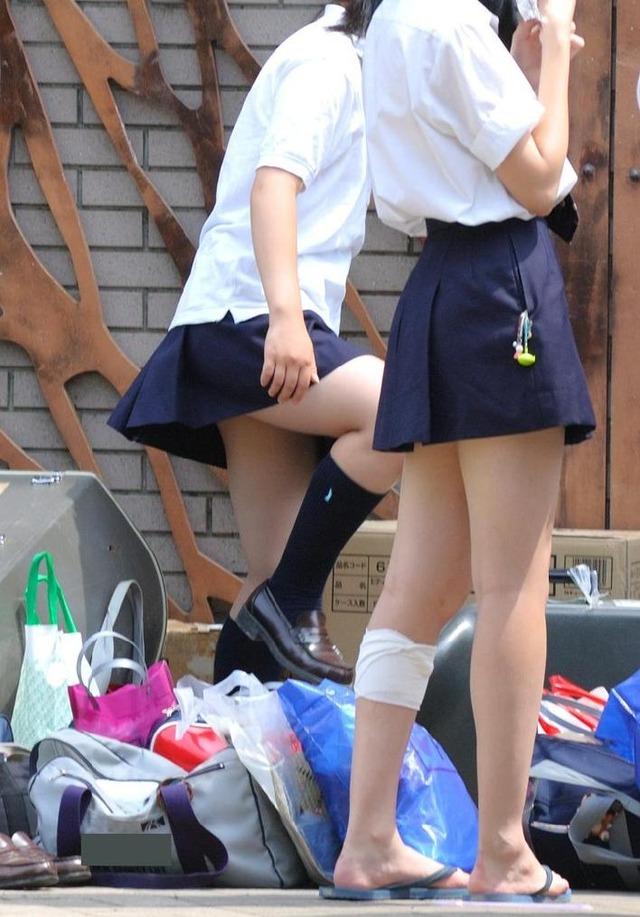 【美脚JKエロ画像】ぐぅ~舐めてぇぇぇぇ!!思わず理性が崩壊する女子高生の美脚がやばいwwww その3