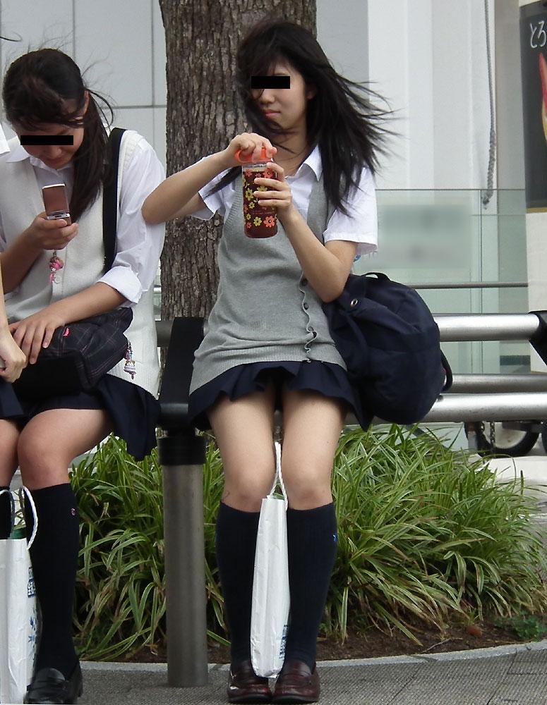 【美脚JKエロ画像】ぐぅ~舐めてぇぇぇぇ!!思わず理性が崩壊する女子高生の美脚がやばいwwww その12