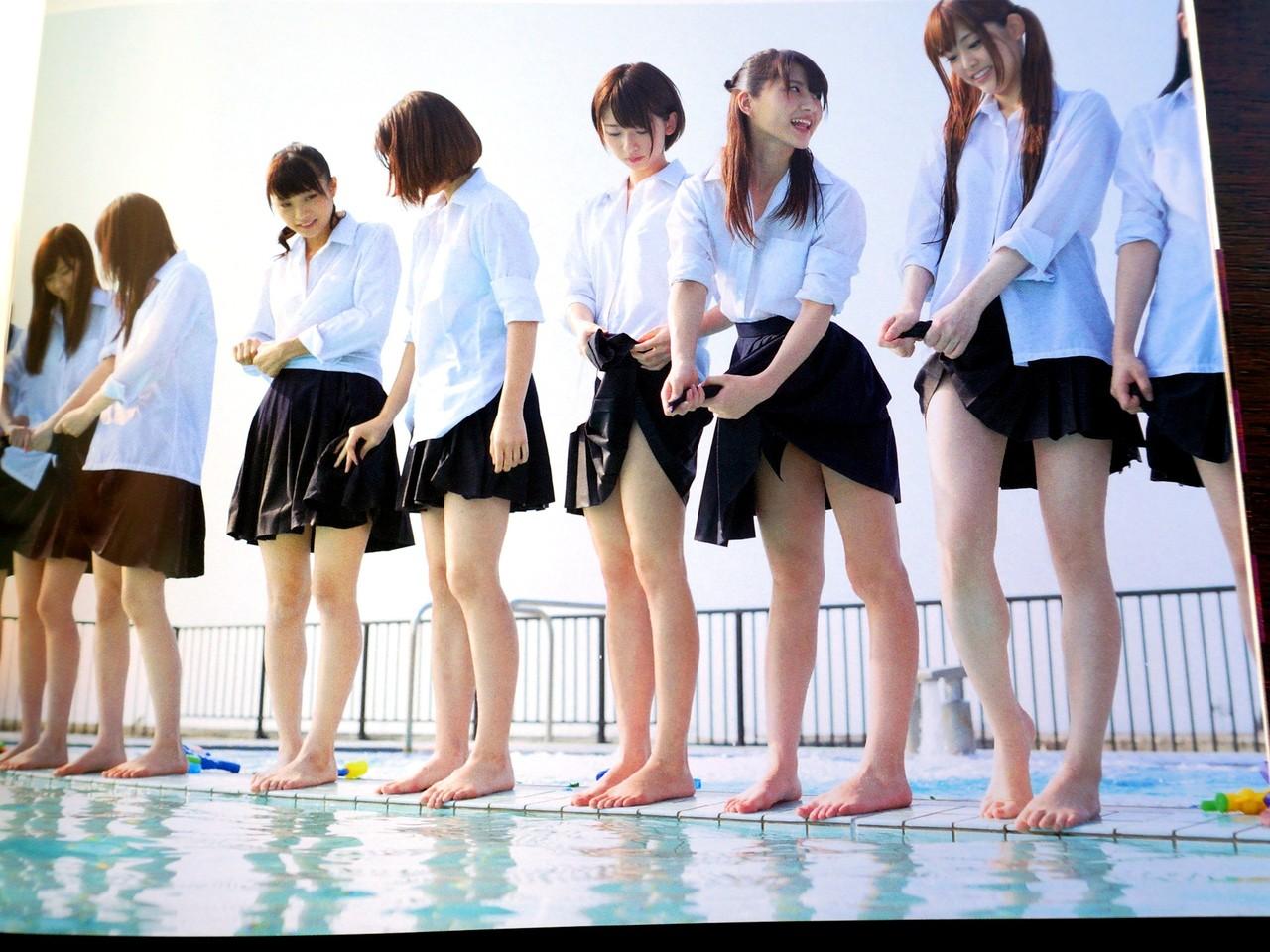 【美脚JKエロ画像】ぐぅ~舐めてぇぇぇぇ!!思わず理性が崩壊する女子高生の美脚がやばいwwww その15