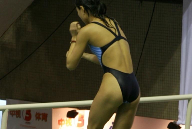 【競泳水着エロ画像】寒くなって見られなくなった女子水泳部の競泳水着…この尻がたまらんよなwww その3