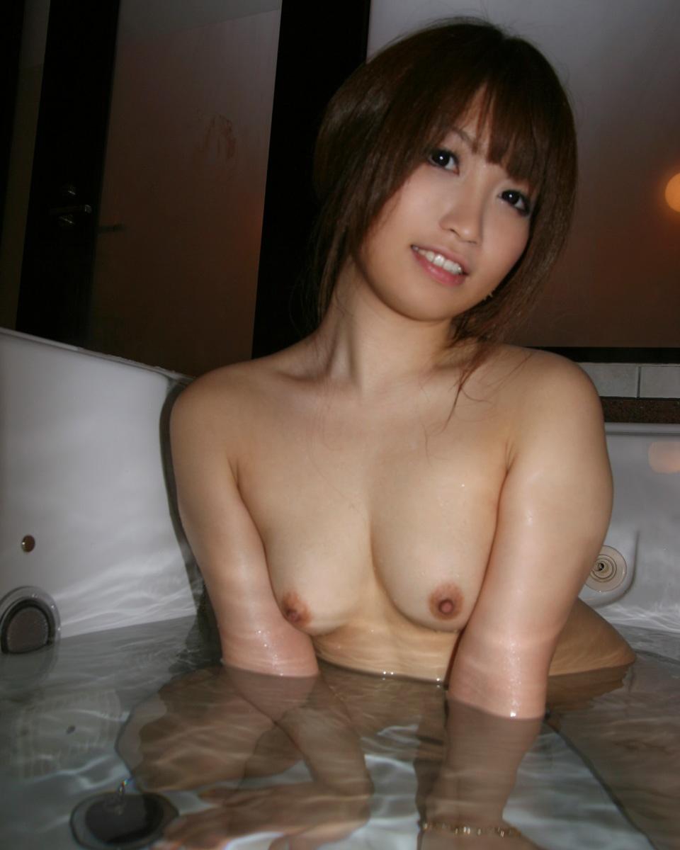 【貧乳エロ画像】ぐぅ~かわえぇぇぇ!全裸の貧乳ちゃんがくつろぐ入浴タイム!こんな子と一緒にお風呂はいりてぇwww その1