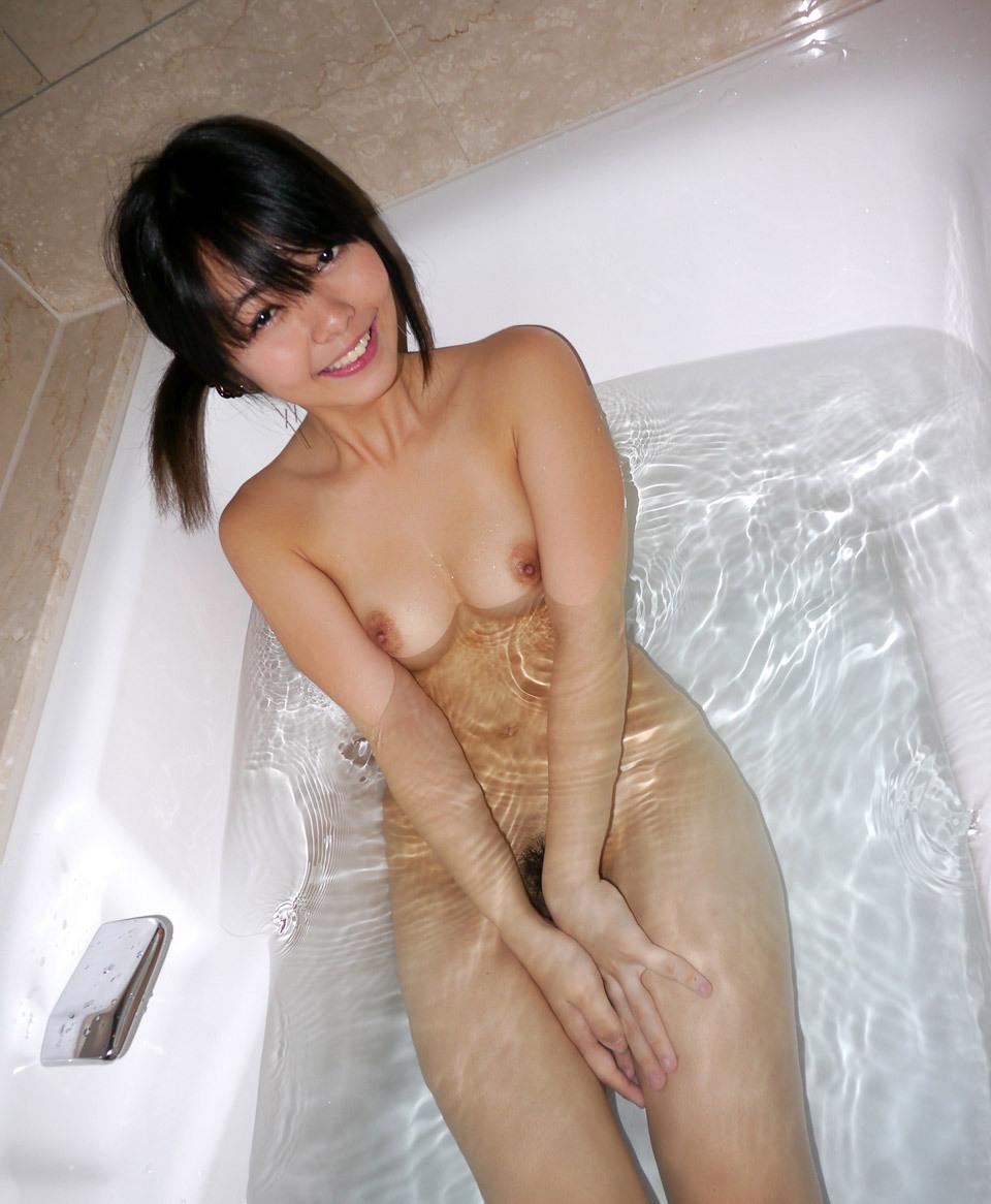 【貧乳エロ画像】ぐぅ~かわえぇぇぇ!全裸の貧乳ちゃんがくつろぐ入浴タイム!こんな子と一緒にお風呂はいりてぇwww その13