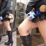 【ミニスカブーツエロ画像】寒くてブーツ履くのにミニスカで太ももを露出しちゃうま~んさんwwwww