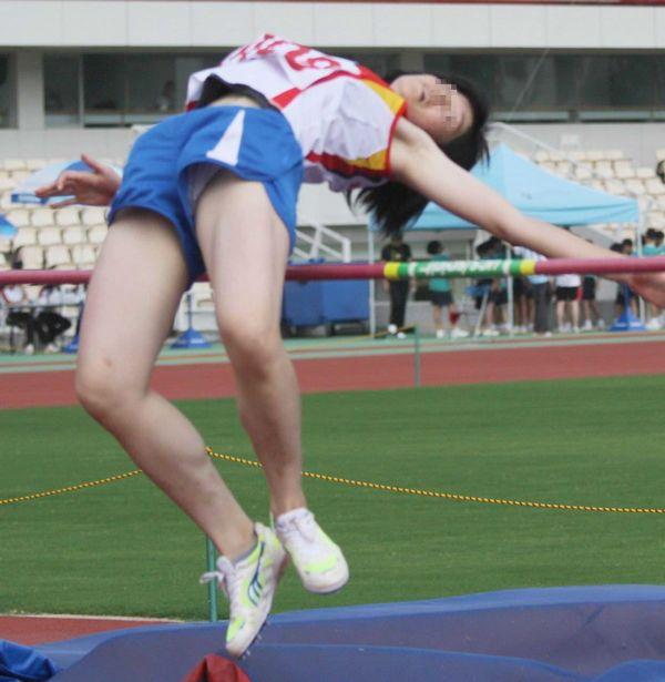 【陸上女子パンチラエロ画像】ムチムチの下半身が強烈www女子陸上選手のユニホームから覗くアンスコがぐぅエロwww その1