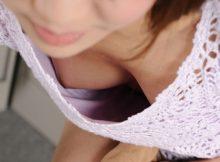 前かがみになったお姉さんの胸チラから乳首が見えたらテンションあがるよなwww