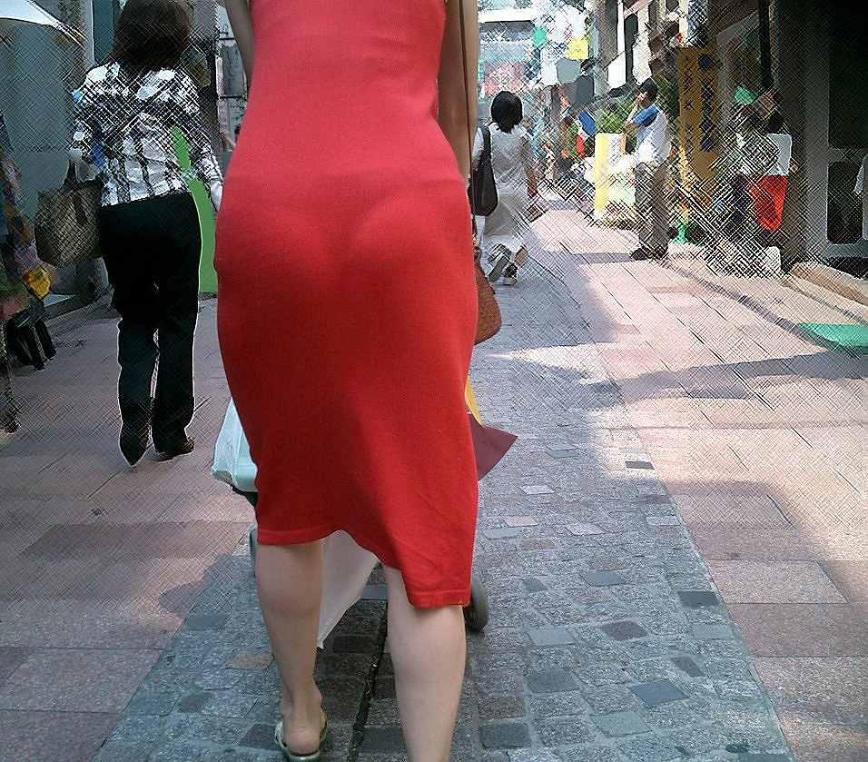 【Tバック透けパンエロ画像】素人なのに過激なパンティー履いてんだなwwTバックのラインがガッツリ透けてるま~んwww その5