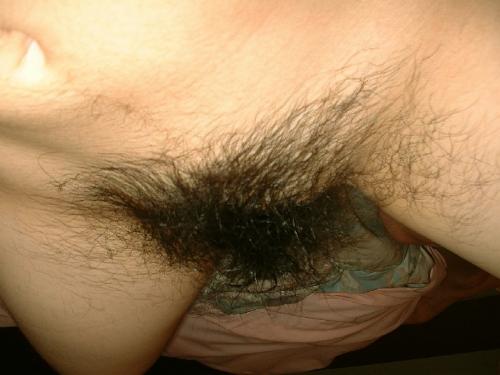 【剛毛マンコエロ画像】露出の少ない冬場だからとムダ毛の処理を怠ったま~んさん…とんでもないマンコを晒すwwww その7