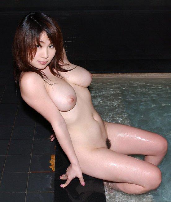 【垂れ乳エロ画像】垂れ乳の魅力!若いのにだらしなく崩れた垂れ乳のエロさが秀逸wwww その12