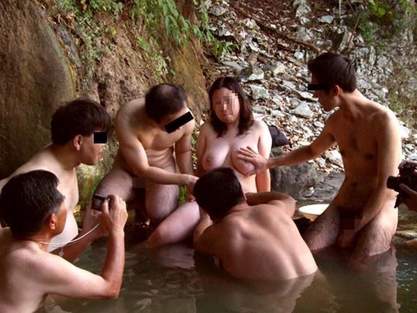 【混浴温泉エロ画像】素人乱交サークルの温泉オフ会が想像通りすぎてワロタwwww その9
