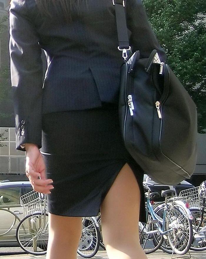【タイトスカートエロ画像】脚の綺麗なOLさんのタイトスカートがヤバいwwwこんなんレイプしてしまいそうwww その5