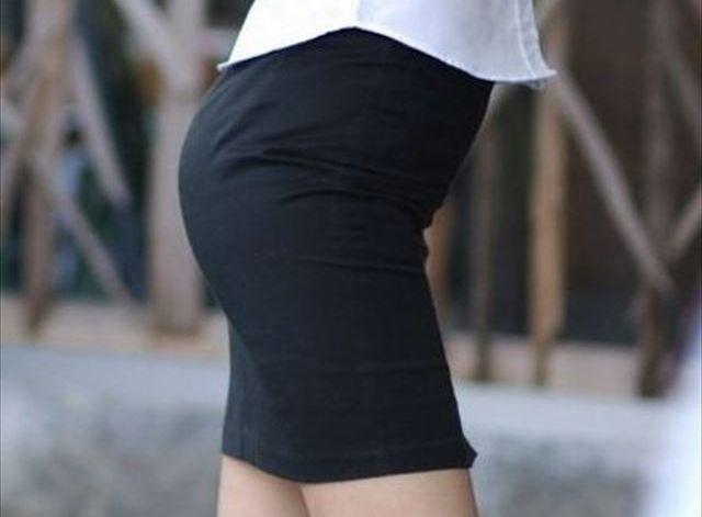 脚の清楚な社内レディーさんのタイトスカートが凄いwwwwwwこんなんレ●プしてしまいそうwwwwww