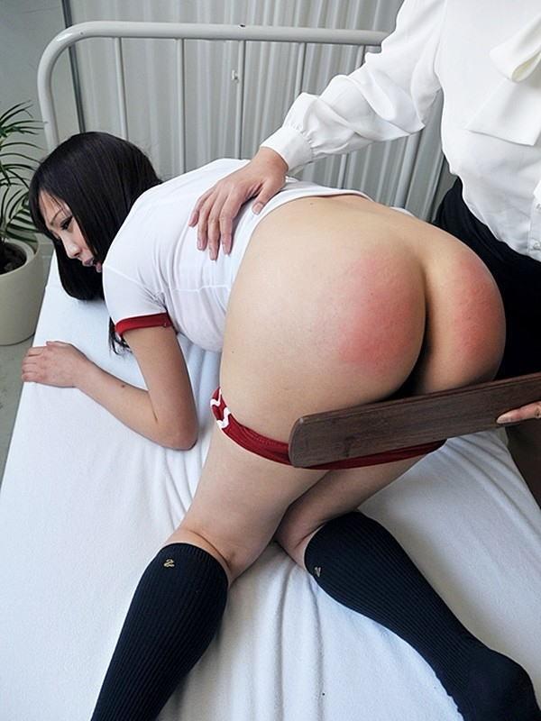 【スパンキングエロ画像】体罰?いえご褒美です!尻が真っ赤に腫れるまでスパンキングされてマンコ濡らすド変態娘www その6