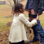 【野外フェラエロ画像】外が寒いほど気持ちよさ倍増する野外フェラ!女の子の口の中が気持ちよさ過ぎるwww