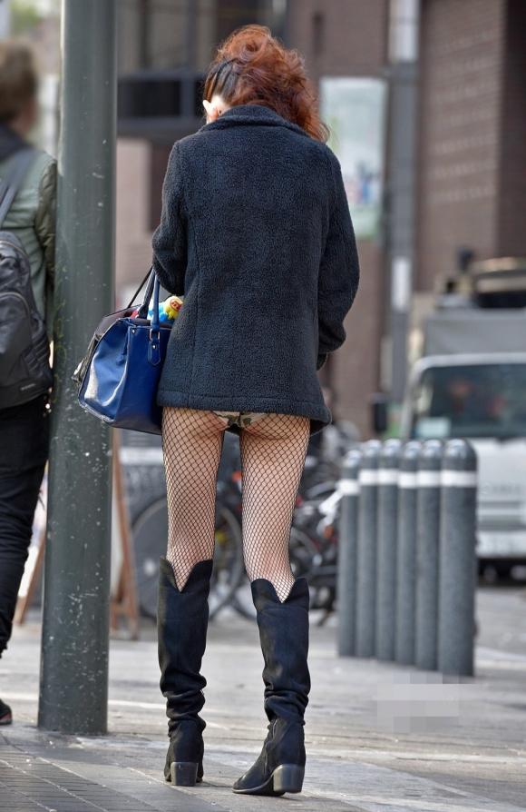 【街撮りショーパンエロ画像】すげー尻だなwwwww夏が待ちきれなくなるショーパン娘のハミ尻! その12
