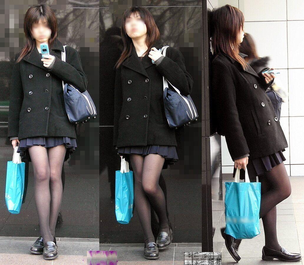 【黒タイツJKエロ画像】生脚もいいけど女子高生の黒タイツもそそるよなwww思わず勃起しそうになる街撮り画像 その12
