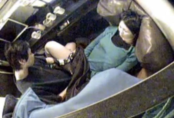 【ネカフェ盗撮エロ画像】ネットカフェでセックスしてるカップルが多すぎて草不可避www意外と覗かれてるぞwwww その1