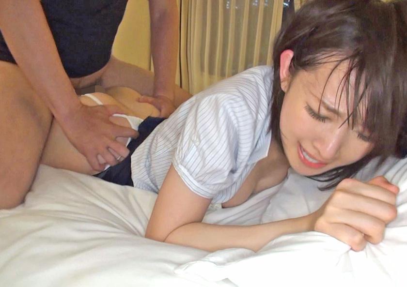 【寝バックエロ画像】うつ伏せのままチンポ挿れる寝バックという有能すぎる体位…ポルチオを直撃されたま~んさんをご覧くださいwww その1
