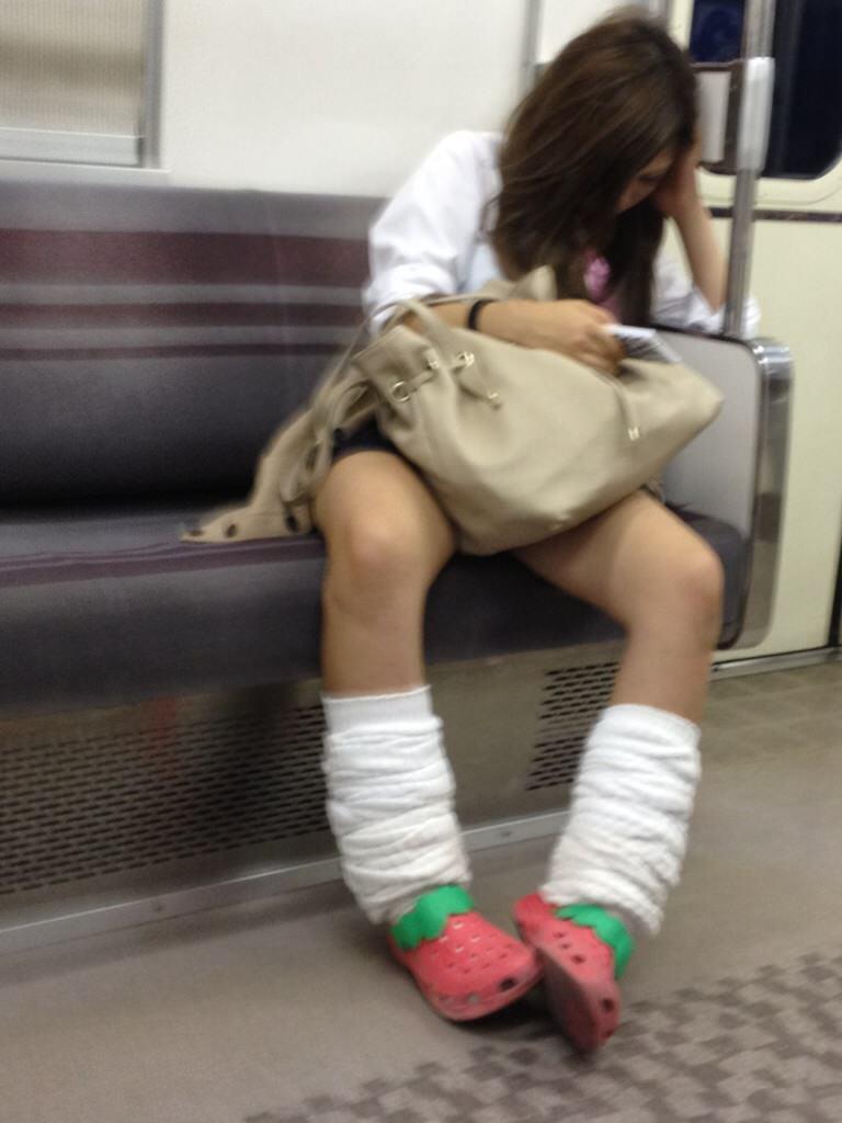 【ルーズソックスエロ画像】女子高生のソックスは汚いほど興奮する…そんな変態集合!めっちゃ臭そうなルーズソックス その7