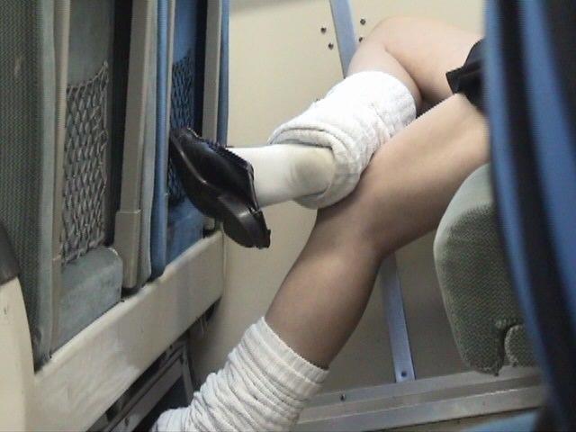 【ルーズソックスエロ画像】女子高生のソックスは汚いほど興奮する…そんな変態集合!めっちゃ臭そうなルーズソックス その9