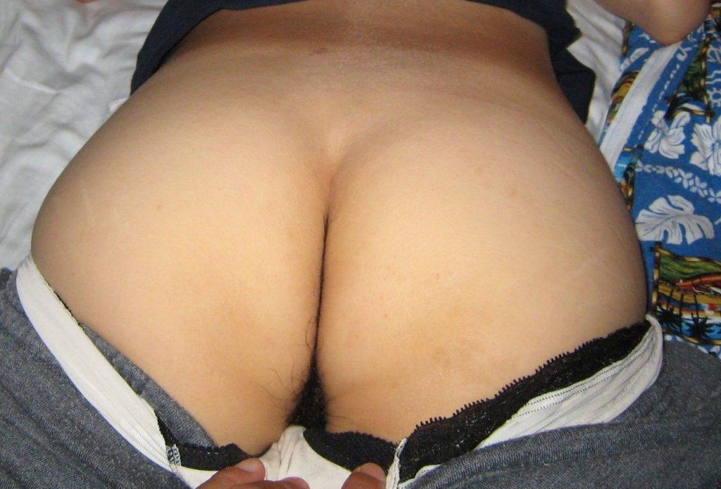 【家庭内盗撮エロ画像】俺の嫁の尻が卑猥すぎるんだがwwww寝てる間に旦那にイタズラされた奥さんwwww その4