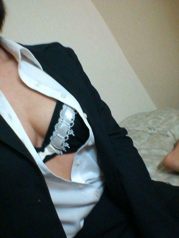 【OL自撮りエロ画像】欲求不満なOLさんってなんでこんなスケベなん!?スーツや制服姿でエッチな自撮りを公開wwww その7