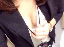 欲求不満なOLさんってなんでこんなスケベなん!?スーツや制服姿でエッチな自撮りを公開wwww