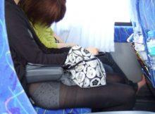 【ハプニングパンチラエロ画像】なんだこれwwwパ○チラしてるのに気づかねーの?スカートが引っ掛かってるま~んwww(15枚)