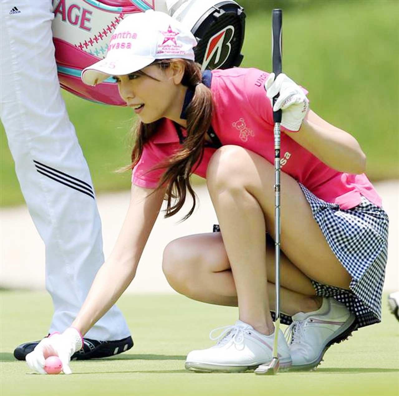 【女子ゴルフエロ画像】どうせアンスコだろ?それでも興奮する女子プロゴルファーの股間!鍛えられた太ももがエロいぜぇwww その11