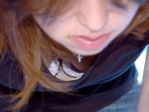 【胸チラ盗撮エロ画像】おねーさん、ガバガバ過ぎぃwwwガン見不可避!素人娘の胸チラがコチラ! その18
